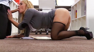Beautiful Blonde With Sucking Cock At Wotk