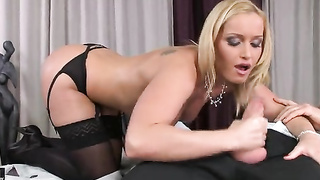 Business Lady Gets Pussy Licked And Blowjob