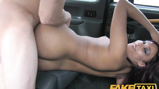 Hot ass black babe having sex with the taxi driver
