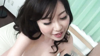 japanes babe prefers to suck