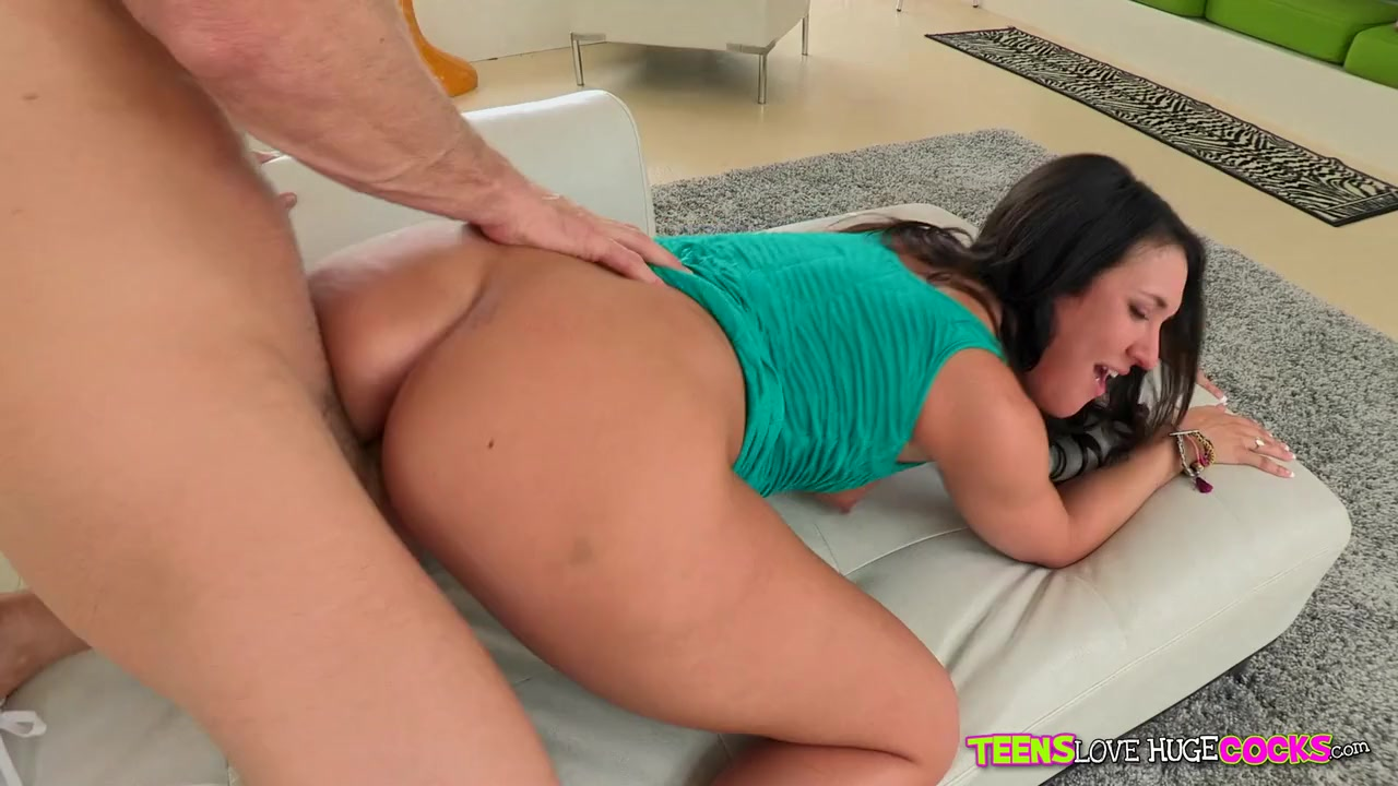 Broken kylie kalvetti fucks for finances