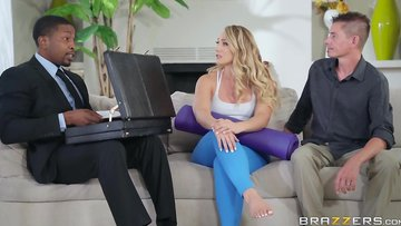 Brazzers - Blondie in yoga pants has a horny butt