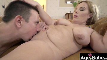 Mature wife fucked and got a warm jizz in her mouth
