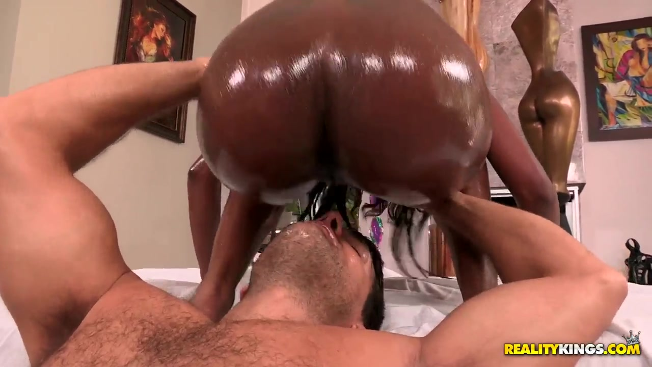 Big Booty Ebony Teen Solo